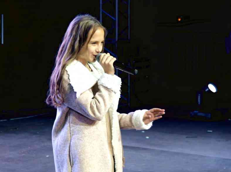 Russia's inspirational mobile generation take the stage thumbnail image